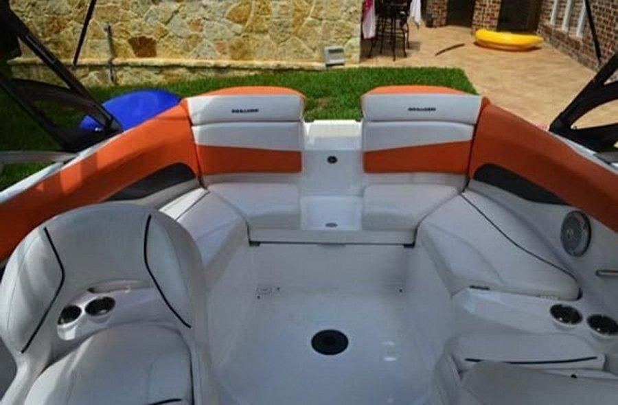 Sea Doo Challenger 210