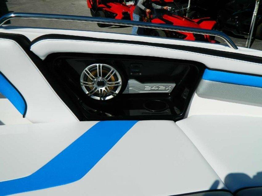 Катер Yamaha 242X 2017