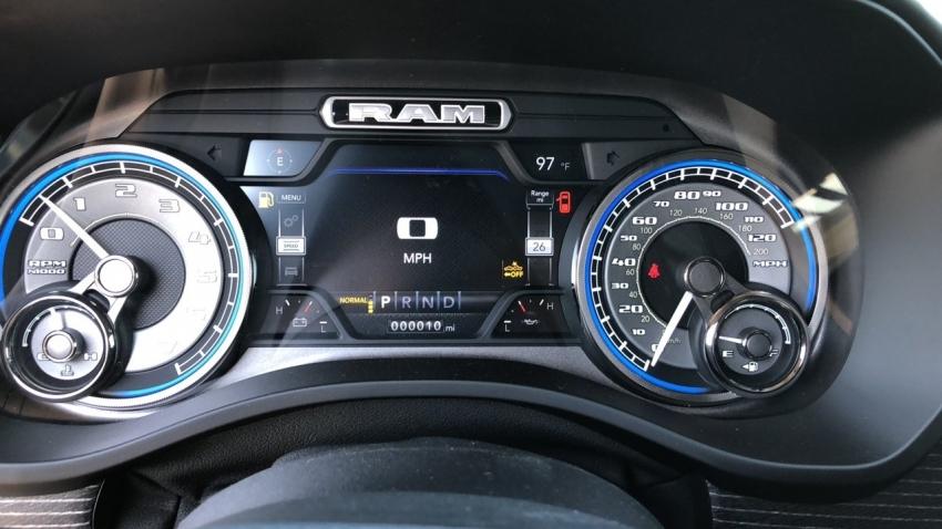 Ram 1500 LIMITED 2019 - автомобили из США