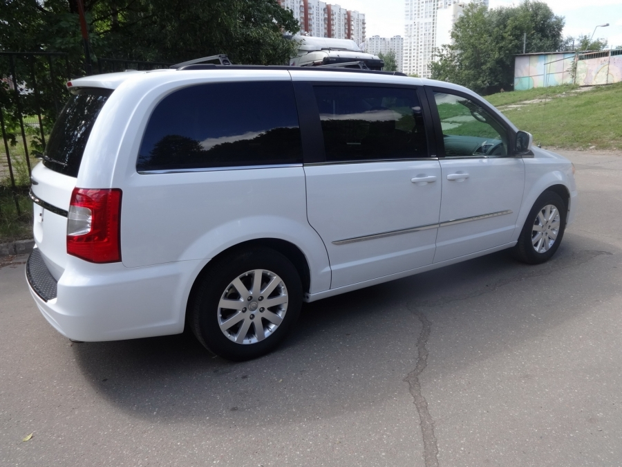 Авто из США Chrysler Town & Country 2013