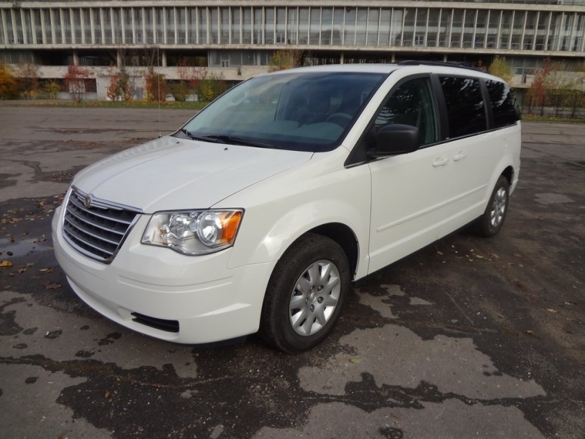 Chrysler TOWN & County Крайслер 2016
