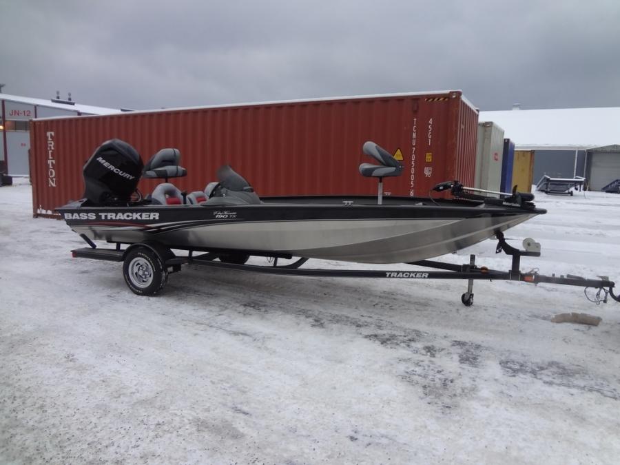 Лодка катер Tracker 190 TWX 2011