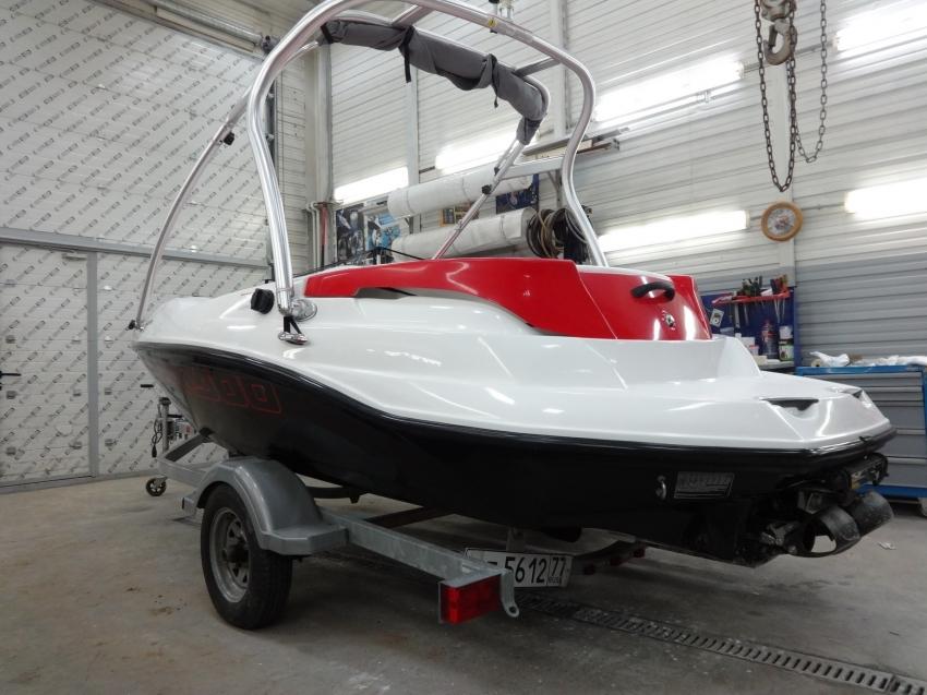 Лодка BRP speedster 150