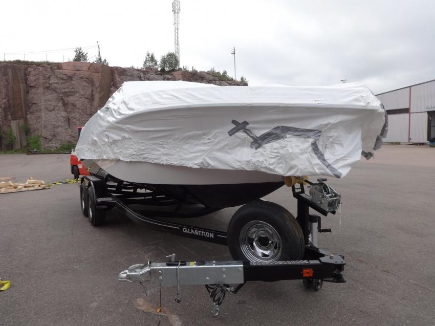 Выгрузка катера Glaxtron 220 2012