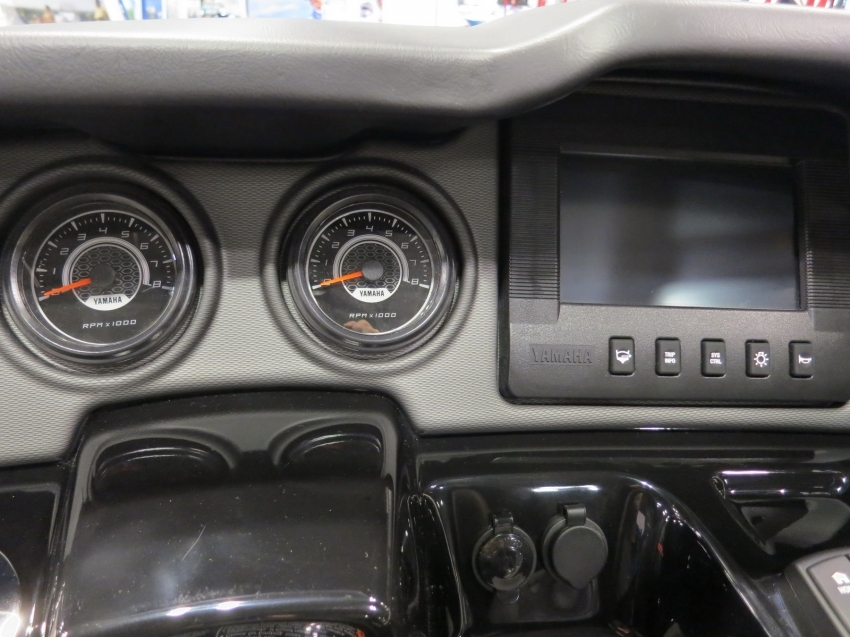 Yamaha Ямаха AR 240 2018