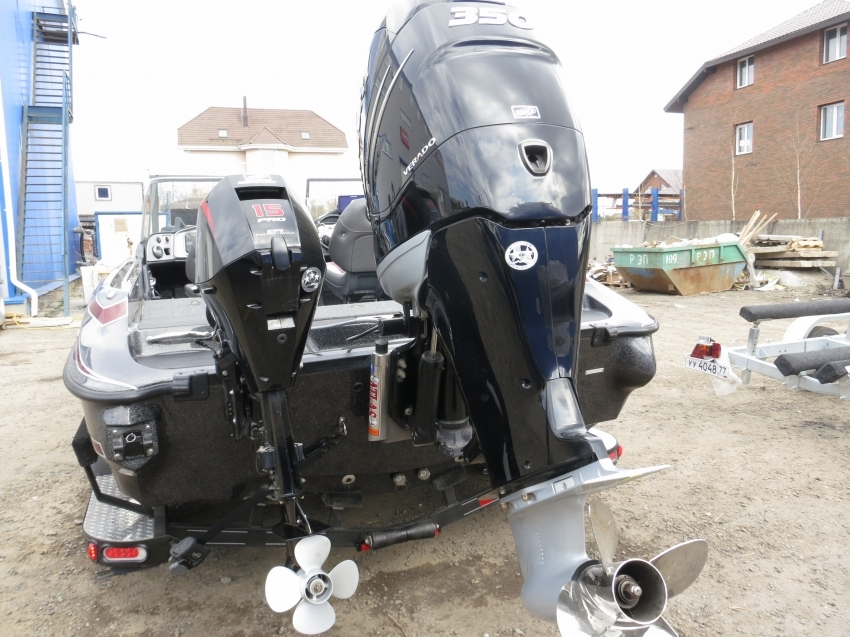 Катер Triton 216 FISHUNTER 2020