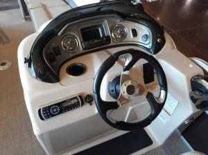 Понтон купить Тракер 22 DLX 2020
