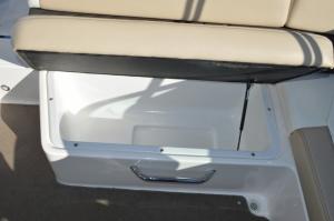 каютный катер Regal 2250