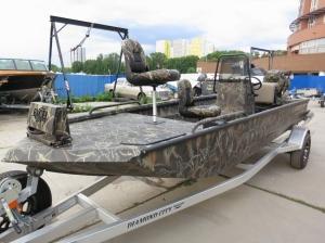 Лодка для болота и рыбалки