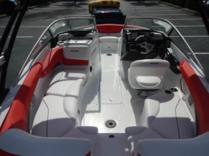 SEA DOO Challenger 210 wake
